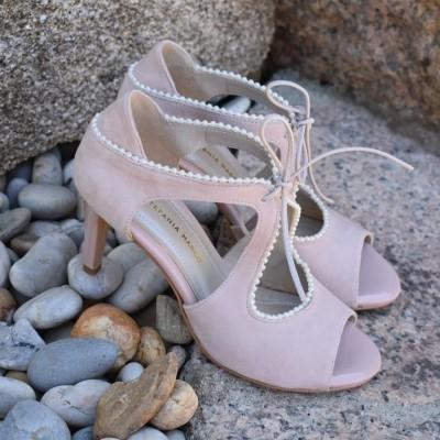 Sandalia con perlas