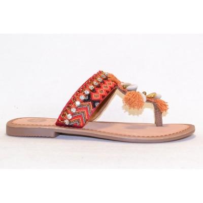 Sandalia con adornos etnicos