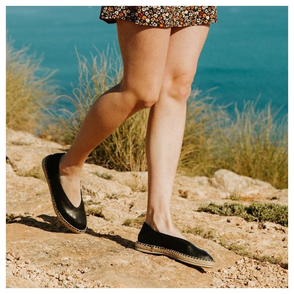 Bailarina de piel con piso de cuerda